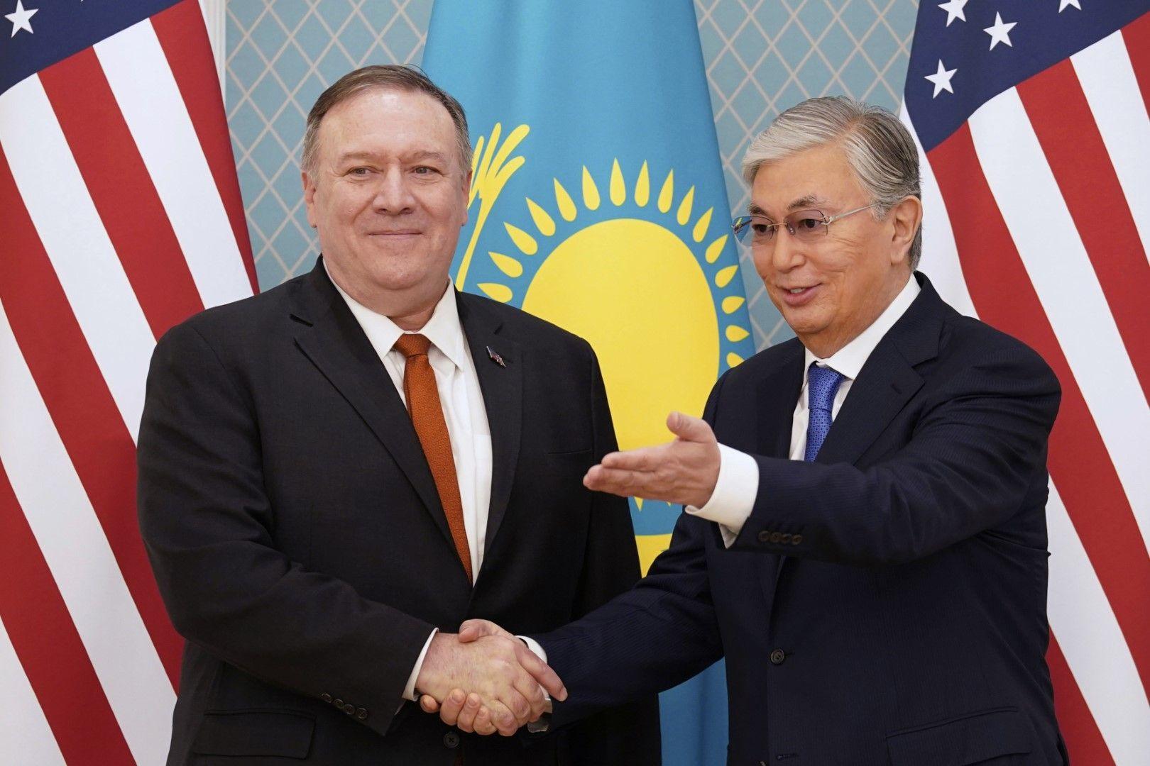 Майк Помпейо похвали президента на Казахстан Касъм-Жомарт Токаев за политическите реформи в страната