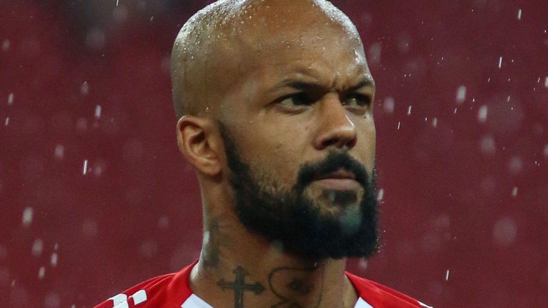 Фен отнесе брутален шут в главата от играч в Бразилия