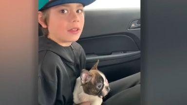 Момченце получи подарък куче от... починалия си баща (видео)
