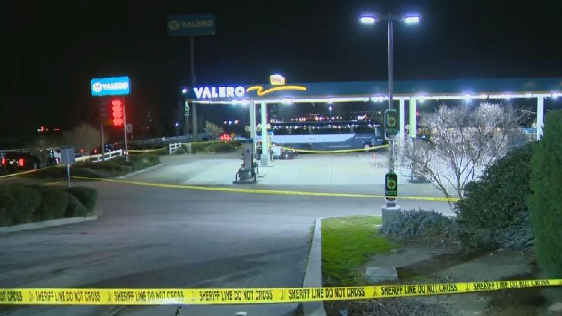 Стрелба по автобус в Калифорния, има загинал и ранени