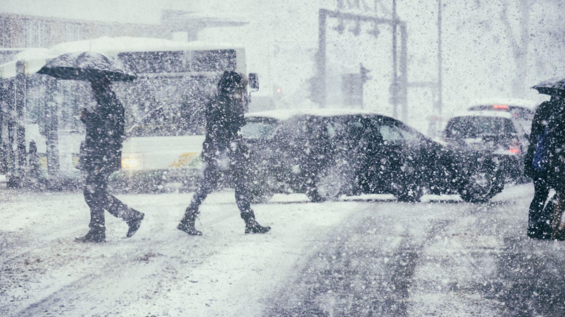 Силен вятър, дъжд и сняг: промяната на времето започва довечера