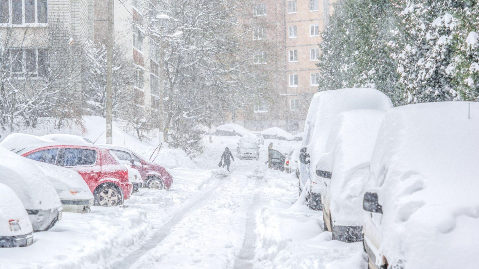 Снеговалежите спират след обяд, до минус 13 в следващите дни