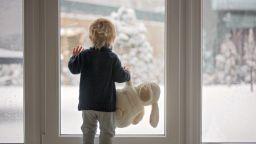 През нощта и утре - сняг,  до края на седмицата остава хладно
