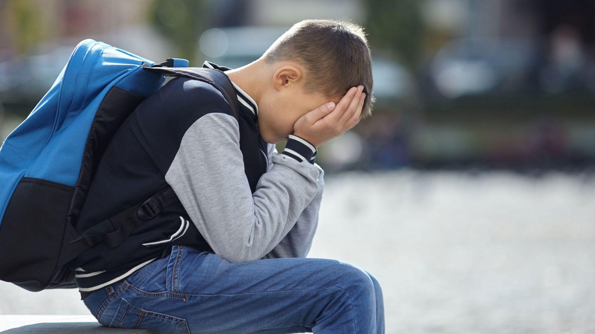 Родители подкрепиха учителката, наказала дете със заплюване, баба му - не