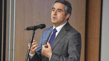 Плевнелиев: Радев не е постигнал почти нищо за българския народ