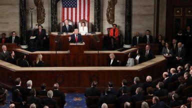 Тръмп в речта си пред Конгреса: Годините на икономически упадък приключиха (видео)