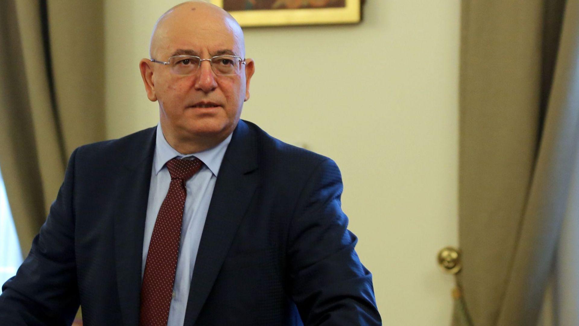 Емил Димитров: В други страни думите на президента биха се тълкували като държавна измяна