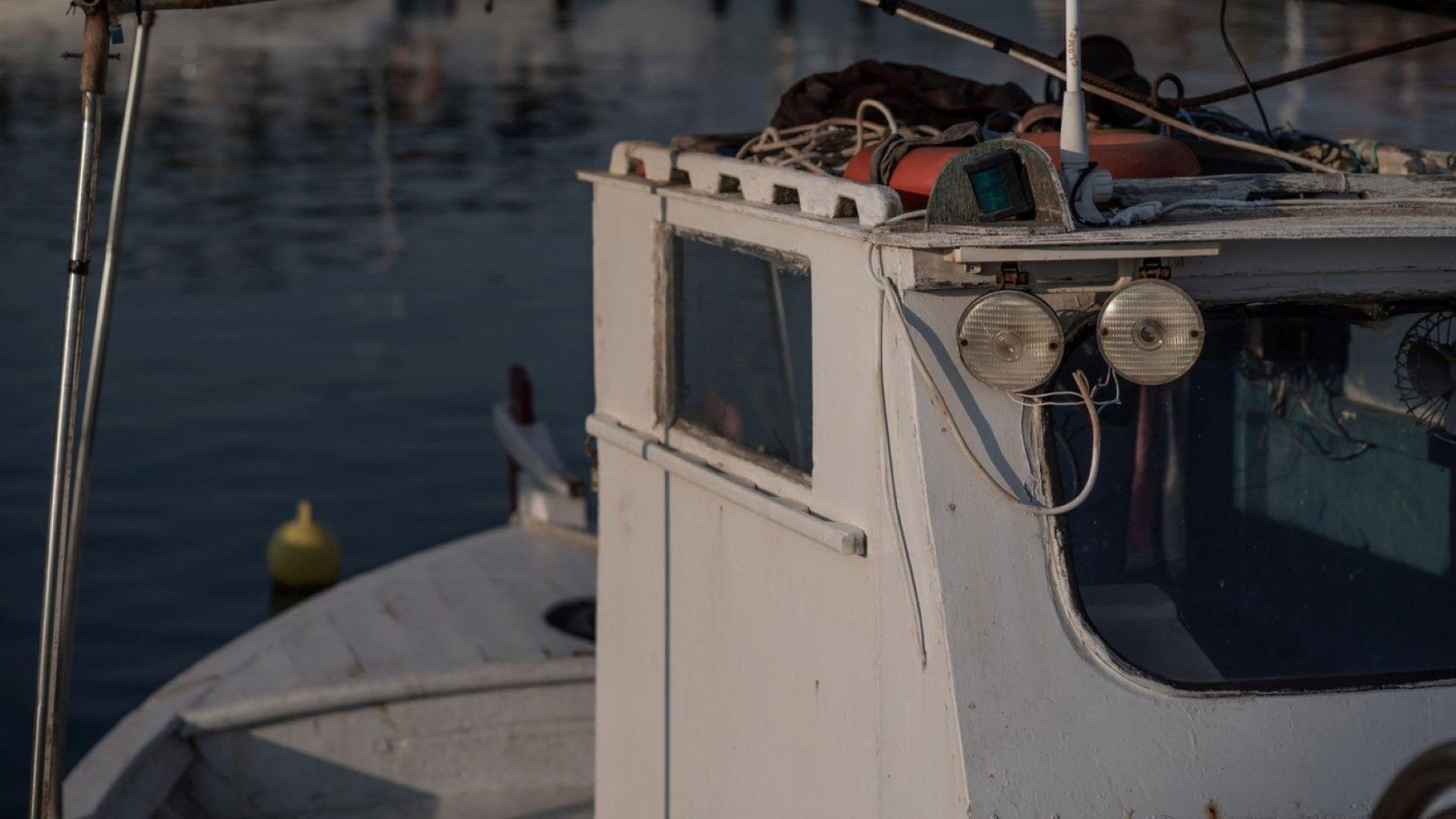 Затворени са фериботни линии в Гърция, заради силни ветрове