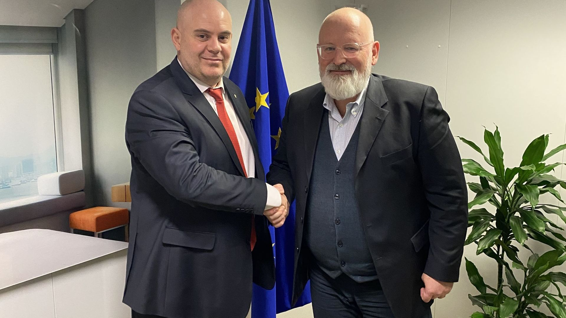 Гешев и Тимерманс обсъдиха укрепването на върховенството на закона в ЕС