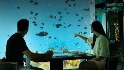Ресторанти под... океана