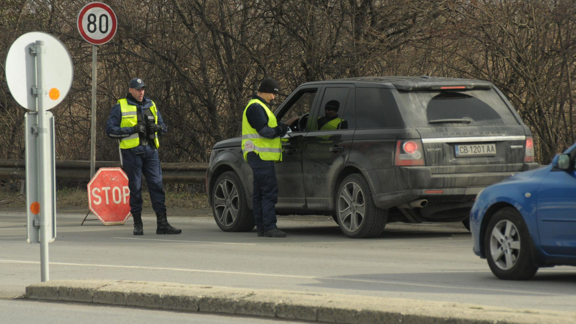 Спецакция блокира изходите на Бургас, хванаха 19 бандити (снимки)