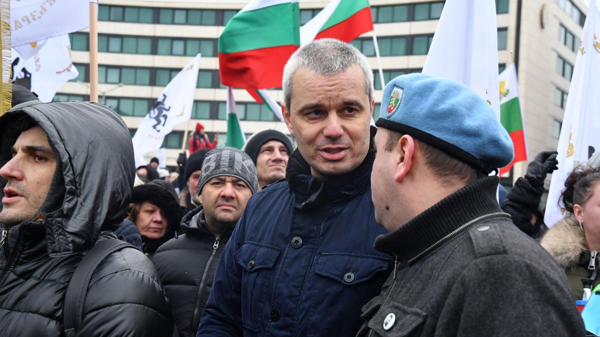 """Прокуратурата иска заличаване на партия """"Възраждане"""" на Костадин Костадинов"""