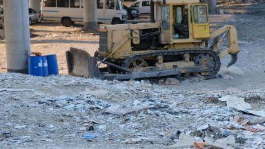 """Под моста на АМ """"Струма"""" още има боклуци, проверяват кмета за престъпление по служба"""