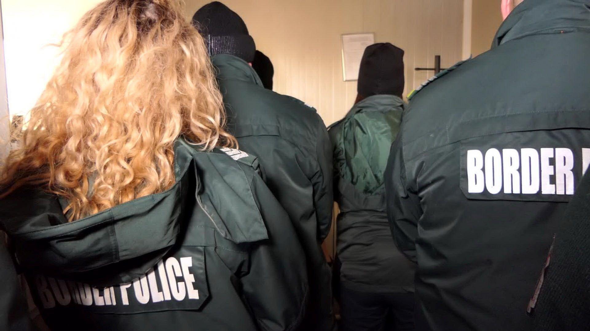 7 от корумпираните митничари от Калотина остават в ареста