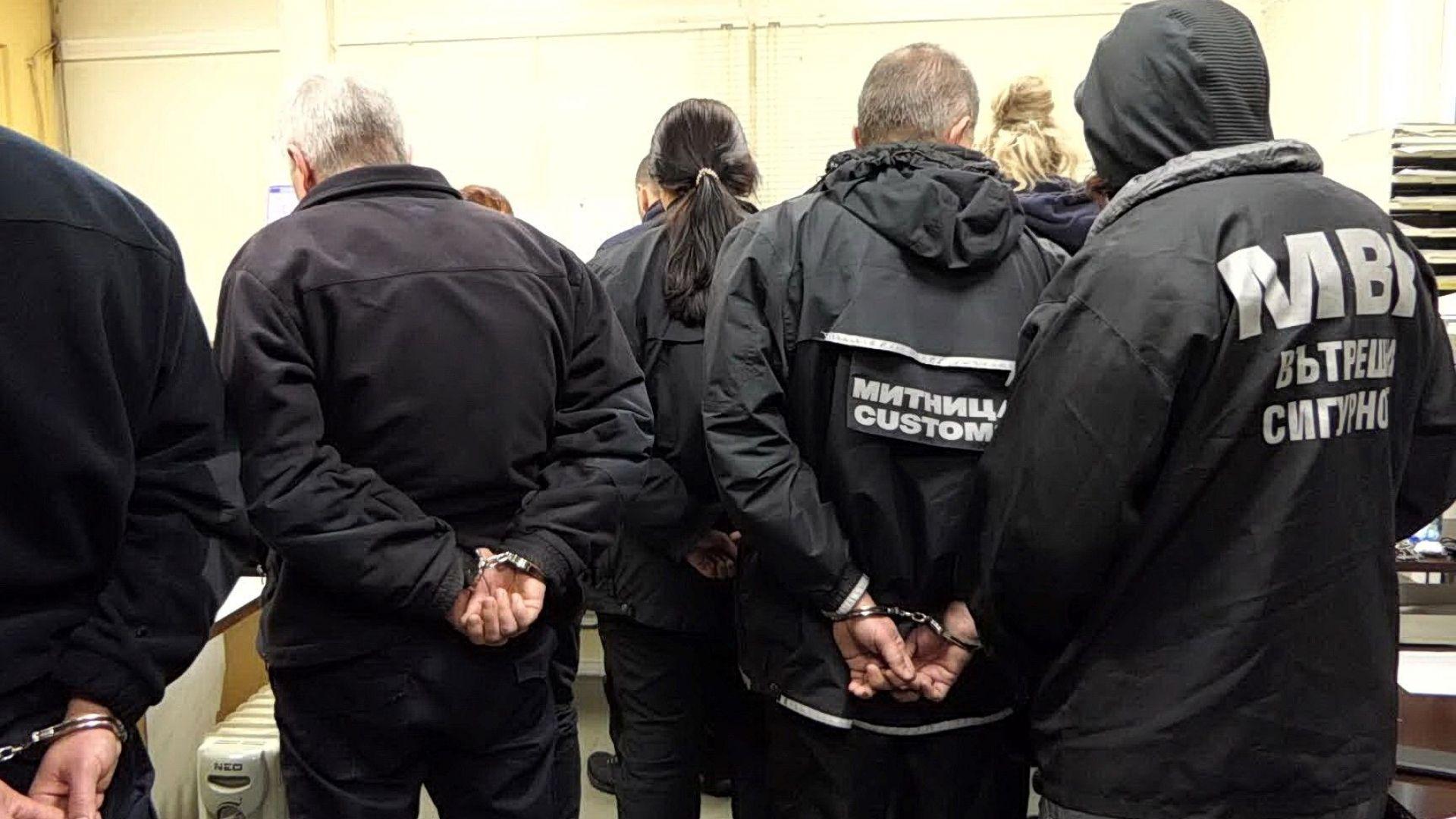 """Спецсъдът остави в ареста 7 от митничарите, обвинени за подкупи на """"Калотина"""""""