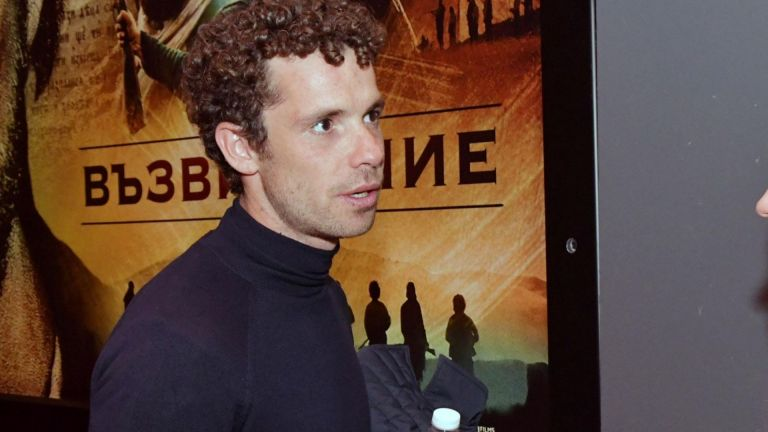 Актьорът Явор Бахаров получи ефективна присъда от 1 година. След