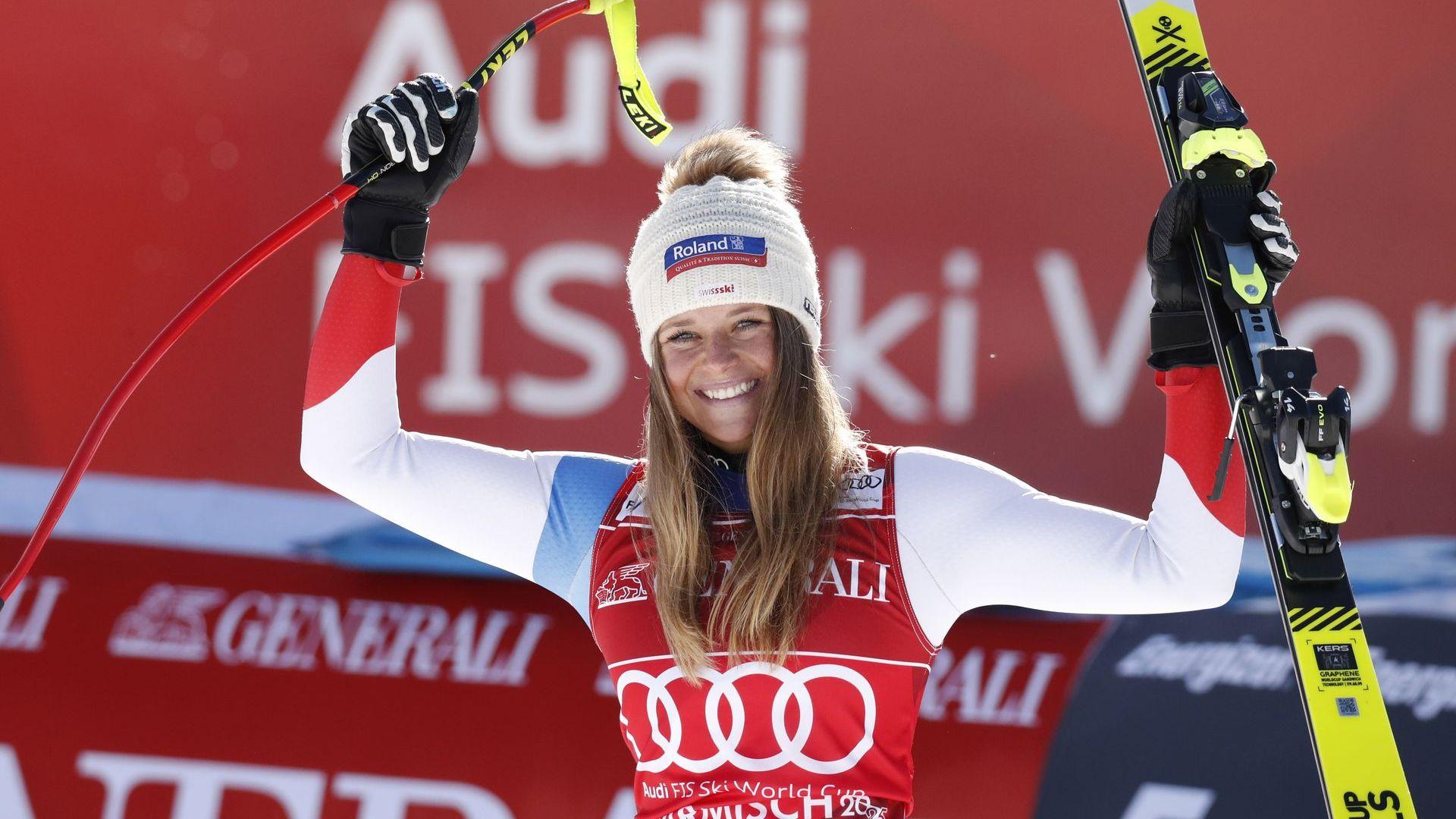 Швейцарка с първа победа на Супер Г в отсъствието на опечалената Шифрин