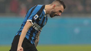И супергероят Златан не спря Интер в грандиозно дерби на Милано