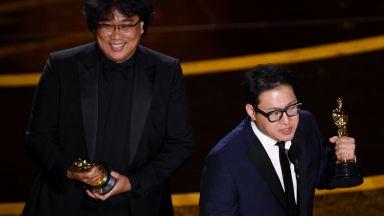 """Американските медии видяхат политически подтекст в Оскар-ите за филма """"Паразит"""""""