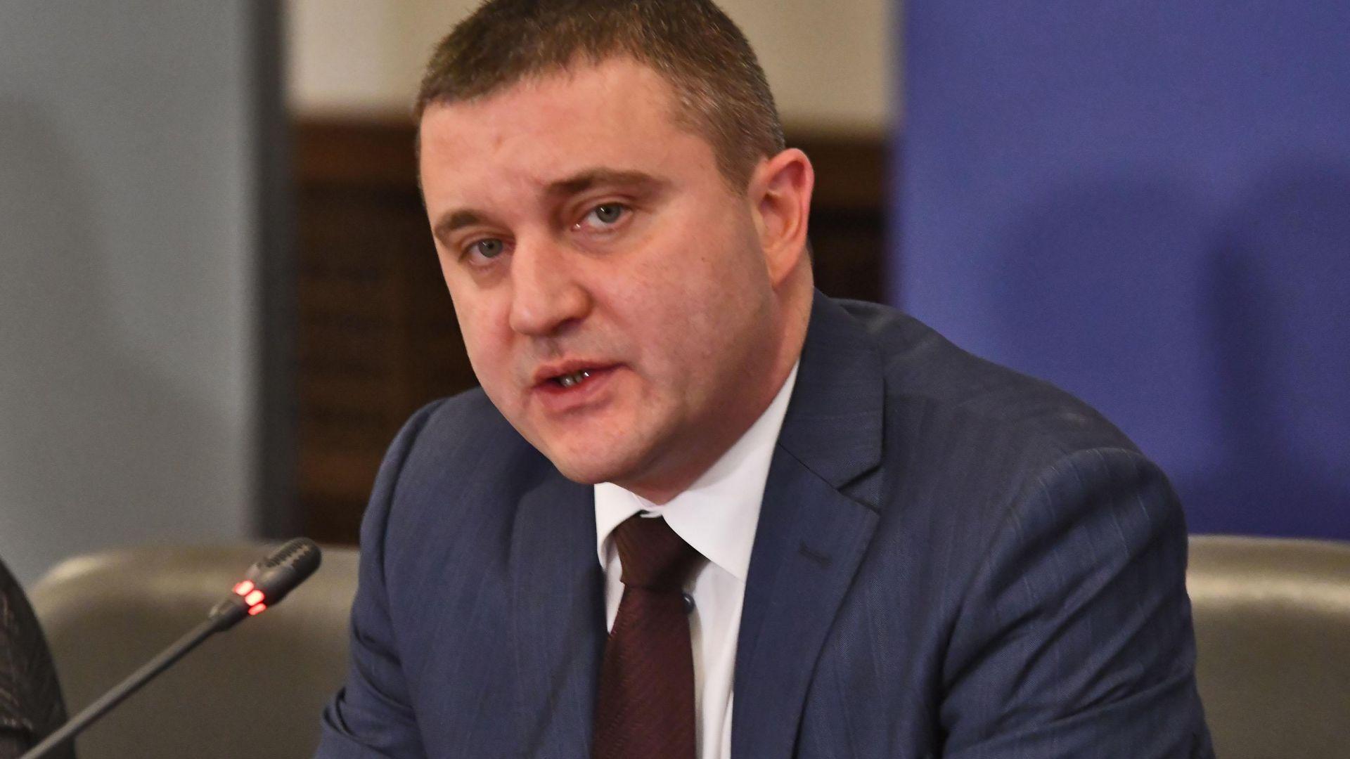 Горанов не е притеснен от занижените прогнози на ЕК