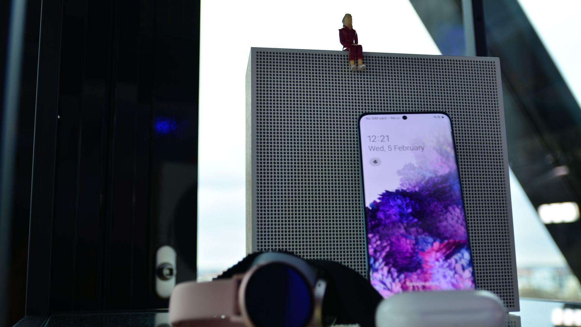 Samsung ще стане лидер в доставките на смартфон дисплеи до края на 2020 г.