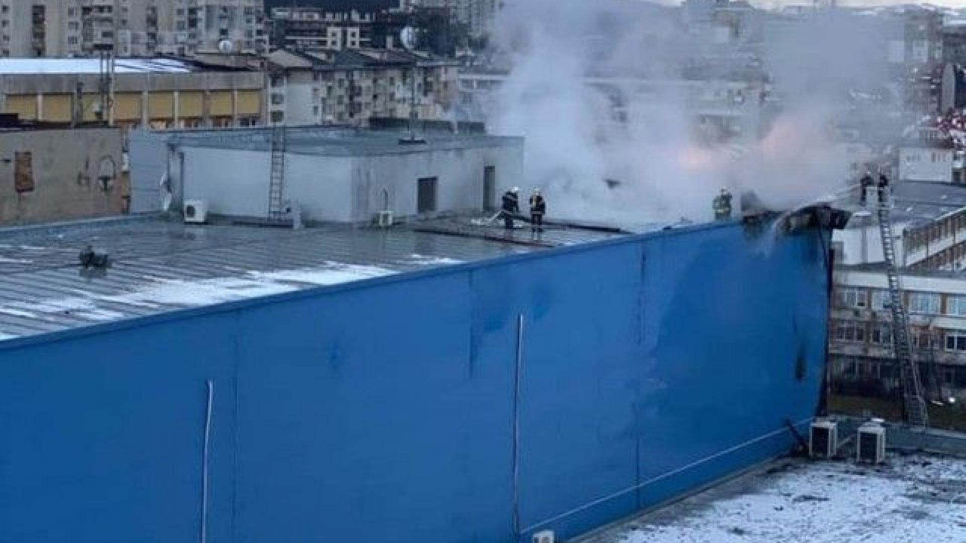 Пожар е избухнал в търговския център в столичния квартал