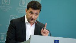 Зеленски призова Путин да се срещнат в украински Донбас