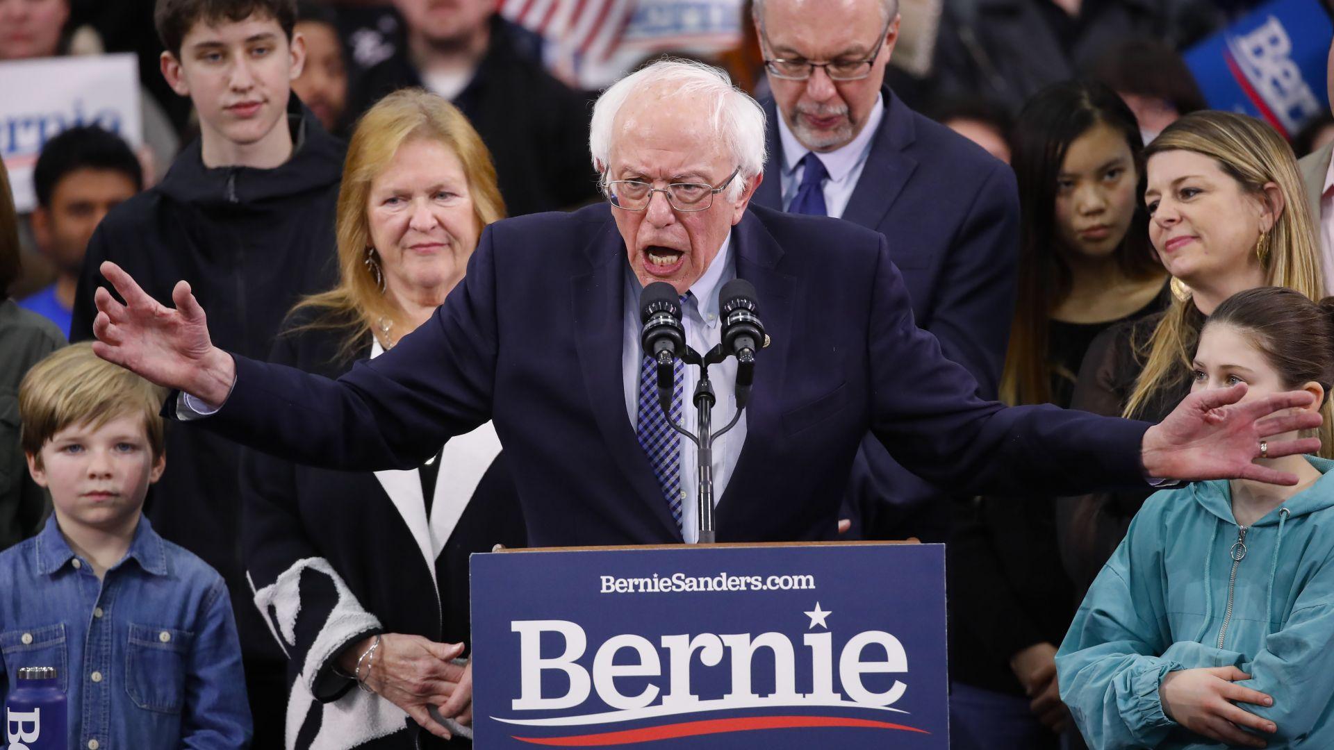 Демократът Бърни Сандърс превзе Ню Хемпшър, убедителна победа и за Тръмп