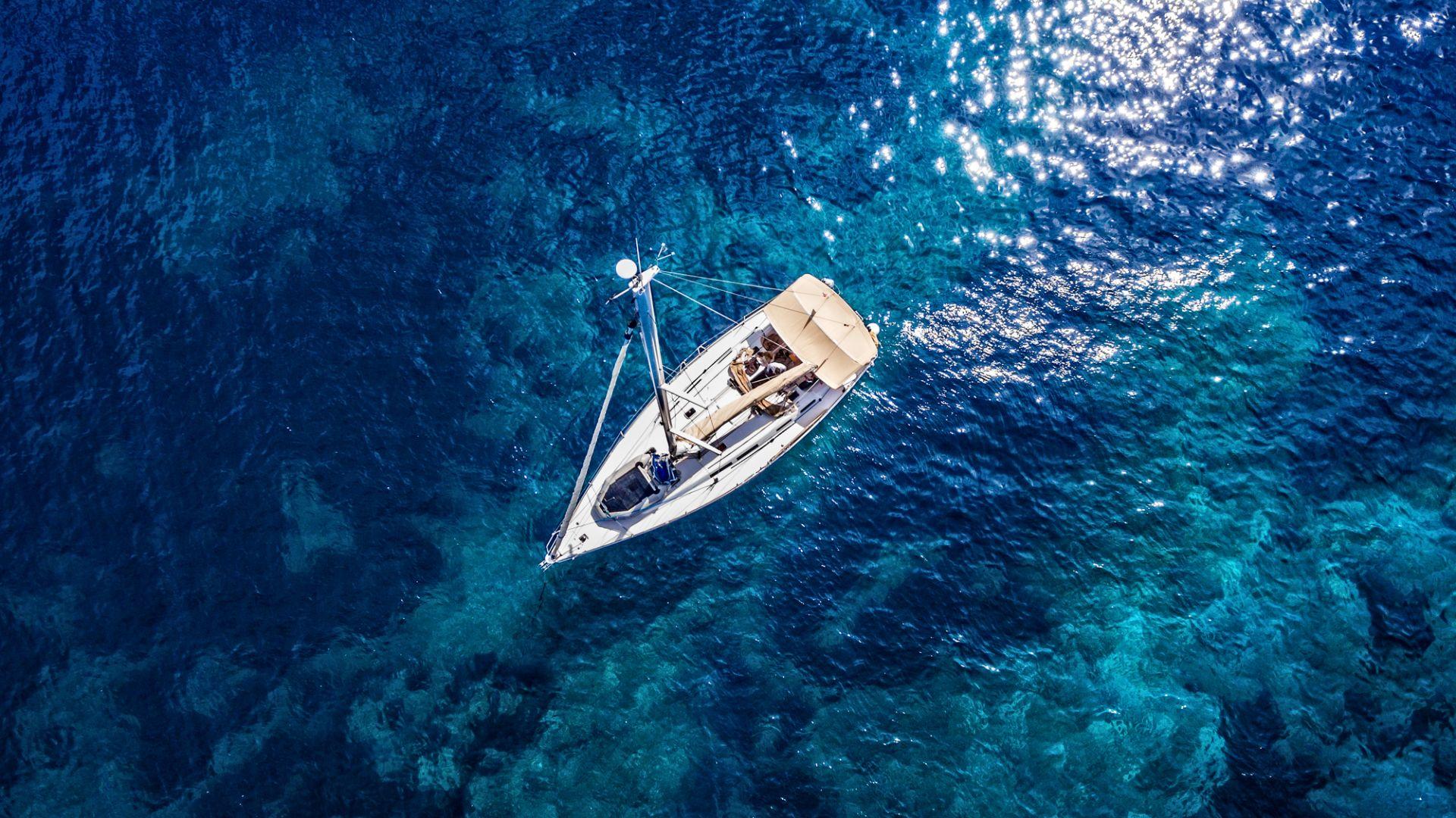 Кокаин за 80 млн. долара бе открит на изоставена лодка край Маршаловите острови