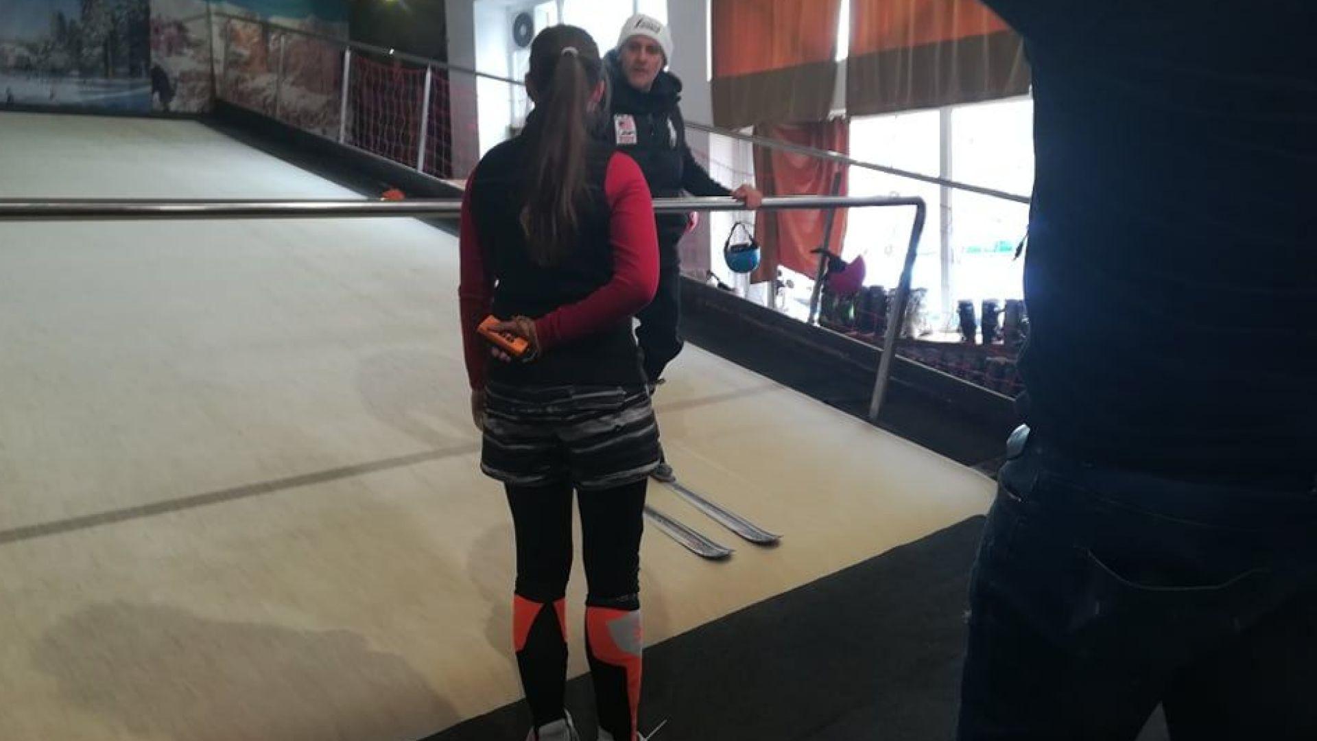 Йордан Йовчев опита предизвикателството да кара ски на изкуствена писта
