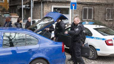 """Прокурори и полицаи нахлуха в емблематичния ресторант """"Грозд"""""""