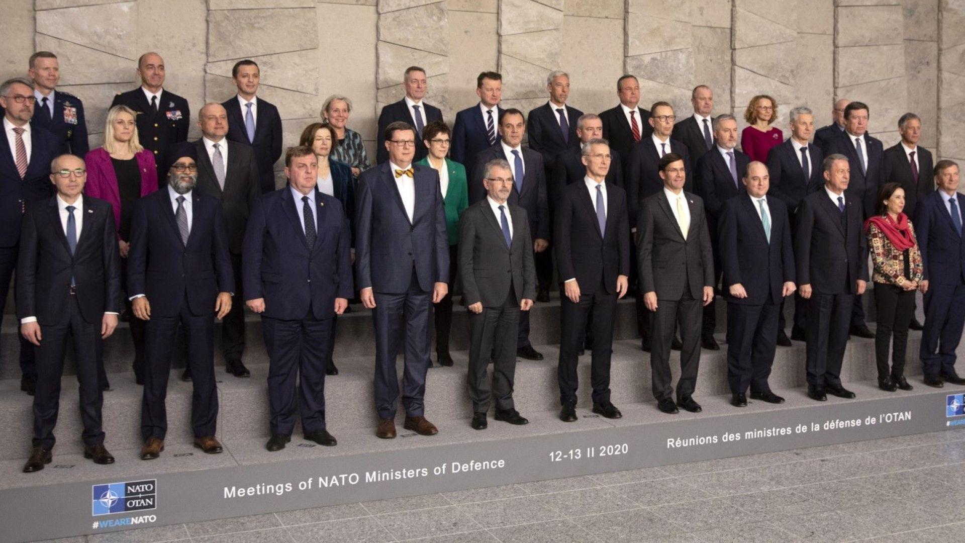 НАТО ще разшири присъствието си в Ирак: всички страни членки са в коалицията