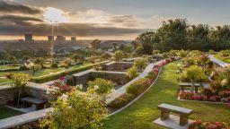 Жълти медии тръбят за посегателство на гроба на Коби и Джиджи Брайънт