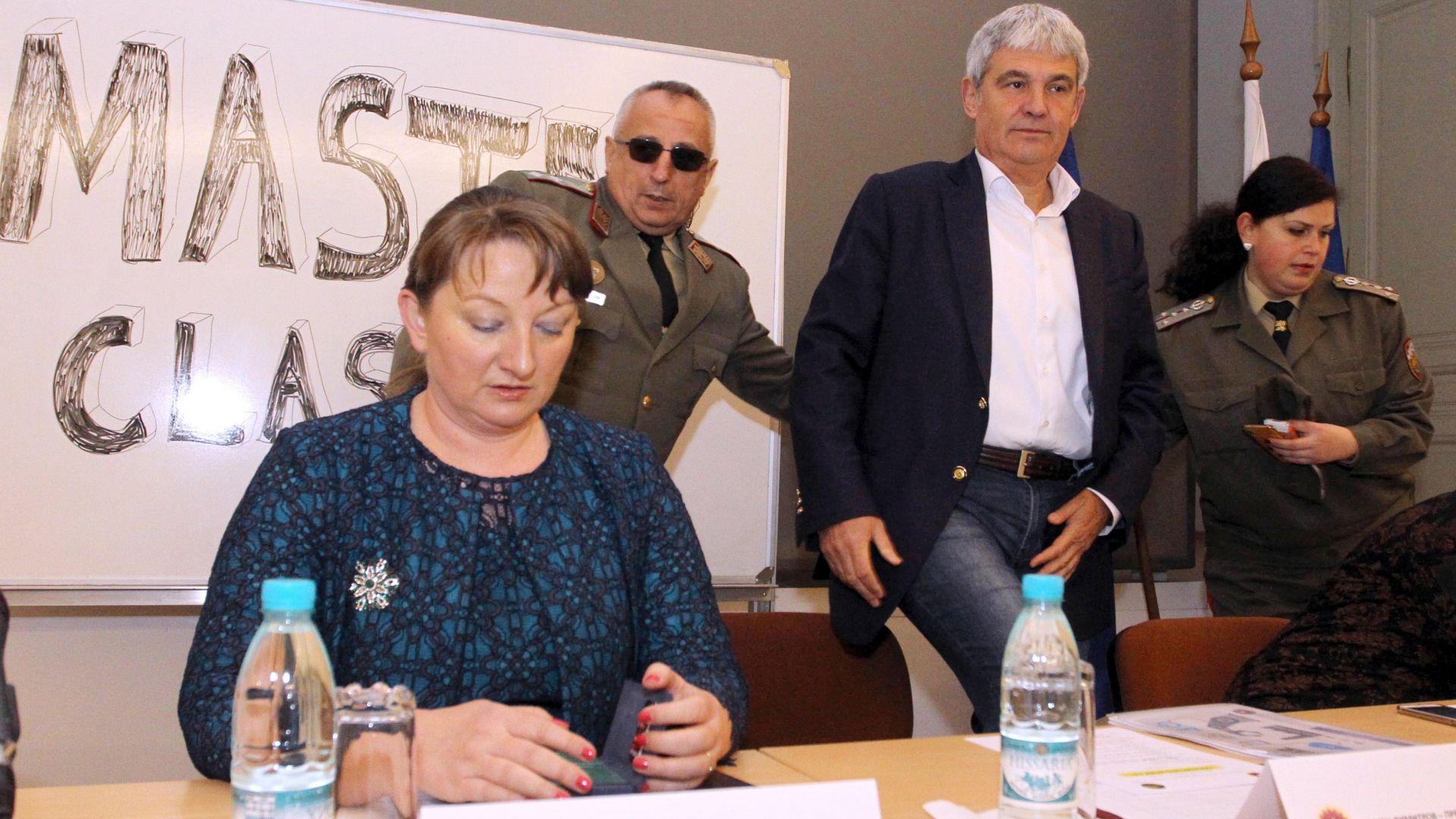 Сачева: Освен инженери ще се търсят учители, здравни и социални работници