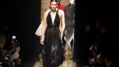 Дизайнерът Прабал Гурунг, обличал Мишел Обама, представи колекцията си на Нюйоркската седмица на модата