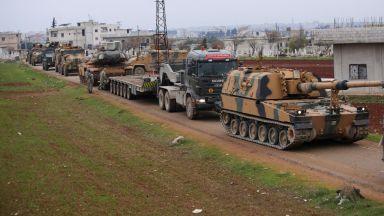 Турция струпва войски в Сирия