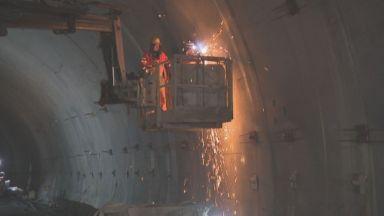 """4 години ремонтират тунелите на """"Витиня"""", пускат втората тръба до края на 2020 г."""