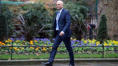 Какво показва оставката  на британския финансов министър,  питат световни медии