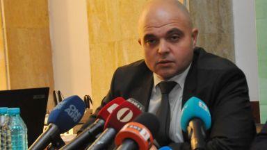 Ивайло Иванов: Не трябва да се стига до въоръжаване на хората