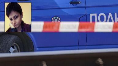 Откриха обесена изчезналата от седмици Радинела, подозират системен тормоз