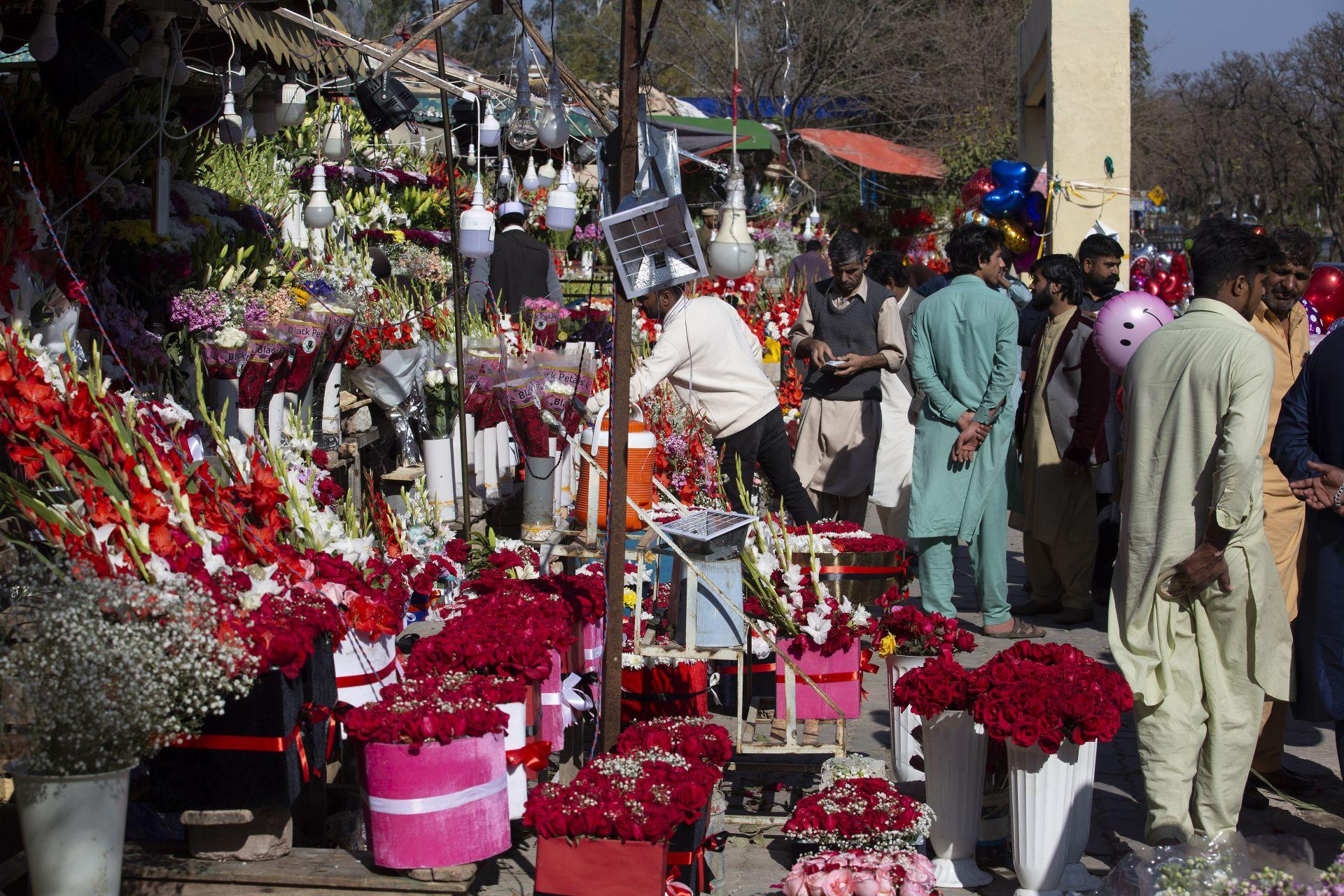 Свети Валентин в Пакистан
