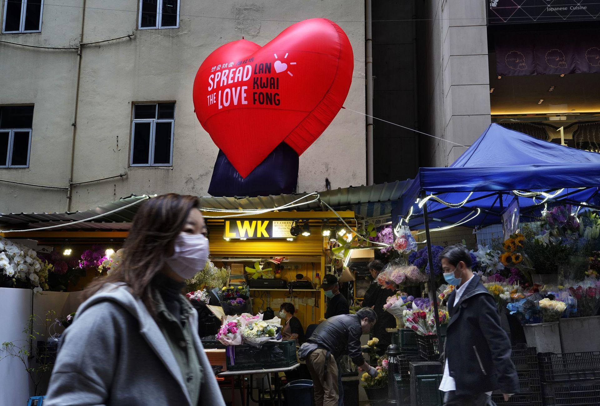 Заради епидемията продажбите на цветя на празника бележат 70% спад