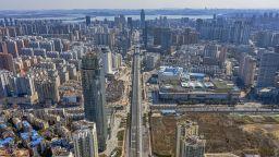 Китайска компания за рециклиране на батерии ще произвежда дезинфектант в Хубей