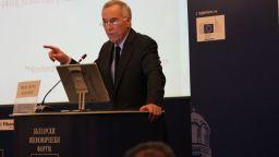 Стив Ханке: Ако приемете еврото, ще ви обезценят лева, с него сте в клопка