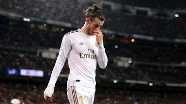 Реал се провали у дома, а разликата с Барса се стопи