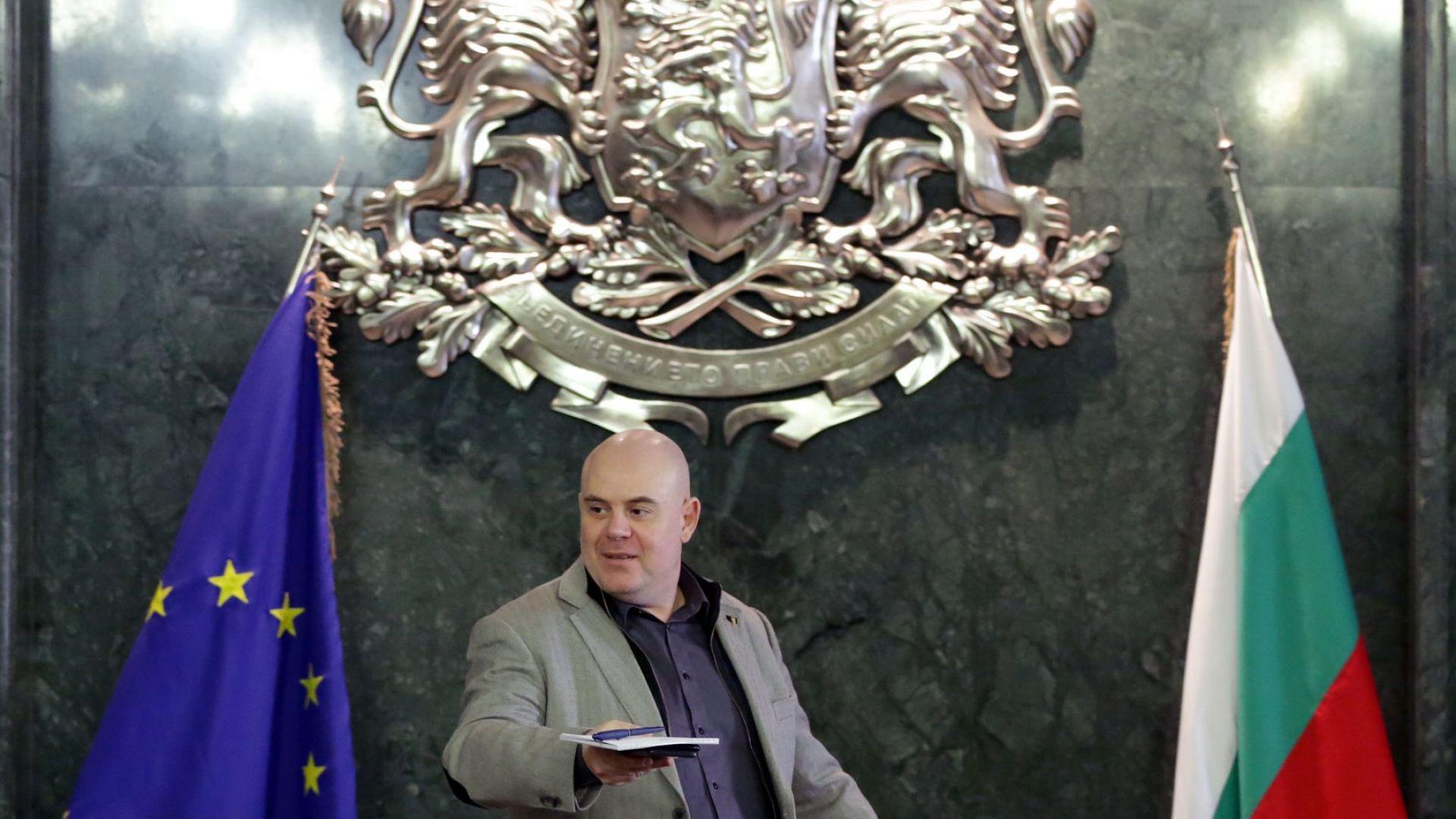 Гешев иска от Лаура Кьовеши повече от двама европейски прокурори