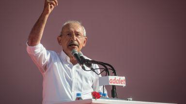 Лидерът на опозицията в Турция плаща 52 000 долара обезщетение на Ердоган
