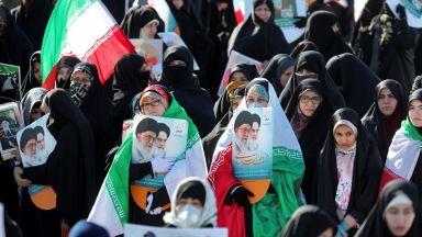"""Иран се разправи жестоко с обвинените в шпионаж в полза """"враждебното американско правителство"""""""