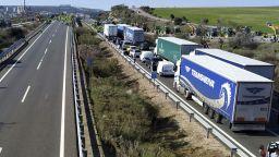 Земеделци блокираха магистрали в Испания