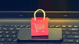 Ще изядат ли онлайн магазините физическите магазини